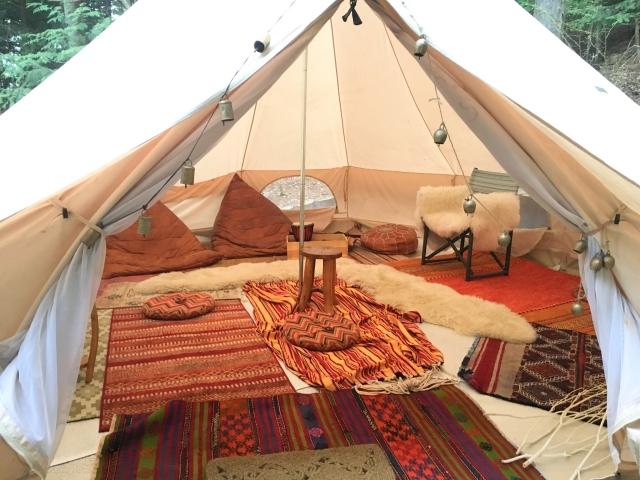 テントの隙間